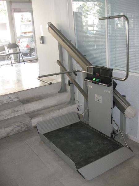 elevateur-escalier-droit